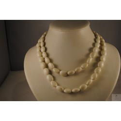 Collier long perles blanches