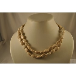 Collier long perles blanches  marbrées