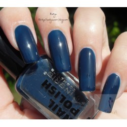 Nail polish by Ingrid 410