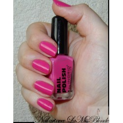 Nail polish by Ingrid 252